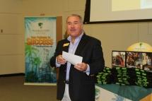 Chuck Zettler, dean of enrollment management, welcomes Summer Quest participants.